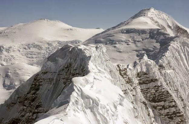 La voce delle cime Giacomo Ferramosca è l'autore di questo blog dalle tinte calde. La voce arriva non solo dalle cime ma soprattutto dal cuore.